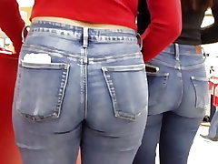 Teenie ass in denim